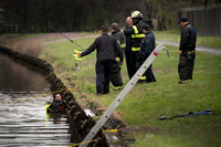 Trenton Fire Department divers search D&R Canal for a gun