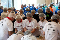 600 United Way volunteers make 100,000 meals