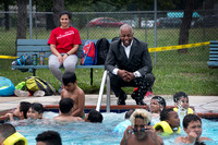 Mayor visits Cooper Pool to mark opening of city pools